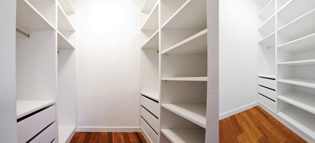 Гардеробная комната своими руками из кладовки небольшая фото 78