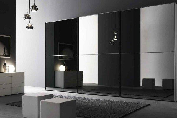 veidrodziai su spintelesmis platus