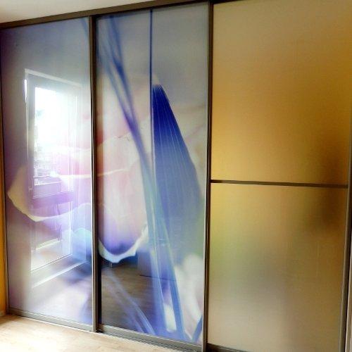 Sieninės spintos su dekoruotu stiklu