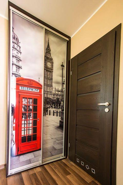 Sieninės spintos su nuotrauka. Londonas