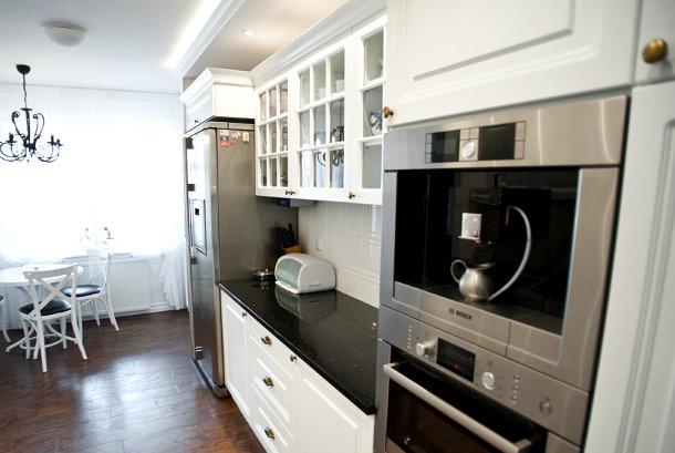 Stilingi, klasikiniai virtuvės baldai